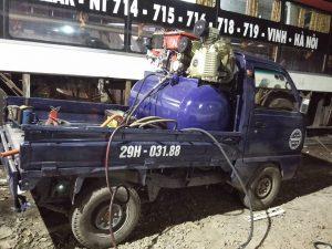 xe cứu hộ lốp ô tô phục vụ mọi người