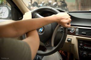 lốp ô tô giúp bạn đánh lái ổn định hay di chuyển hướng lái.