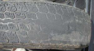 Thói quen lái xe nhanh, cua gấp, phanh đột ngột làm cho lốp mòn rất nhanh