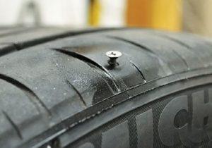 Lóp bị dính đinh gọi cứu hộ lốp Thường Tín để được phục vụ.