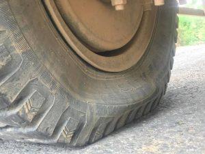 Xe tải, xe con hết hơi hãy gọi cứu hộ lốp ô tô Thị Xã Sơn Tây.