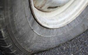 Dịch vụ cứu hộ lốp ô tô Gia Lâm chuyên nghiệp, giá cạnh tranh.